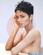 Halle Berry Naked 001