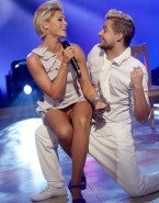 Helene Fischer Nudes Up Skirt 001