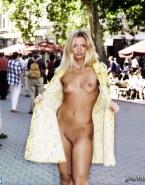 Jaime Pressly Flashing Tits Public Naked 001