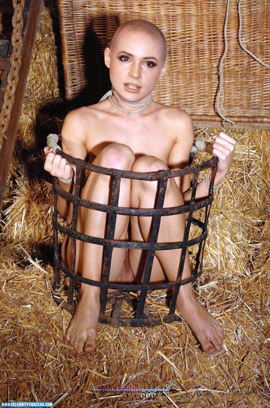 Debbie naked pic