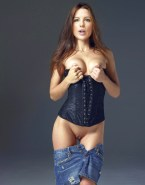 Kate Beckinsale Pantiless Boobs Squeezed 001