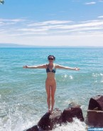 Maisie Williams Bikini Legs Nude Fake 001