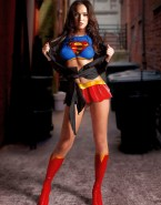 Megan Fox Costume Supergirl 001