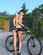 Milla Jovovich Sideboob Topless Porn 001