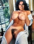 Raquel Welch Boobs Squeezed Sexy Flat Tummy Nude 001