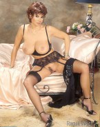 Raquel Welch Lingerie Big Breasts Nude 001