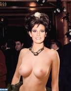 Raquel Welch Tits Exposed Topless Naked 001