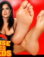 Salma Hayek Feet Smoking 001