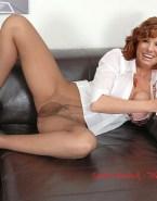 Sandra Bullock Legs Spread 003