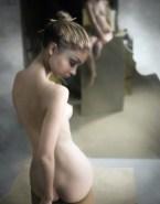 Sarah Hyland Naked Ass 003