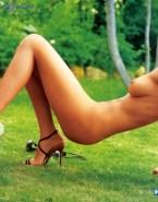 Sarah Michelle Gellar Naked Body Outdoor 001