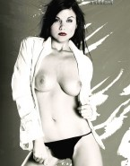 Tiffany Amber Thiessen Thong Exposing Breasts 001