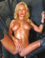 Uma Thurman Touching Herself Wet Fakes 001