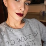 Hayden Panettiere, Bio-Cam To Wake Up Sweatshirt (Twitter January 12, 2017)