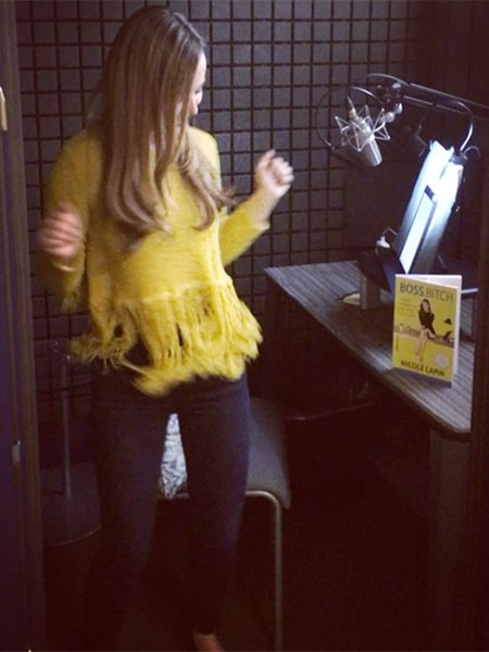 Nicole Lapin, ALC Sunflower Fringe Hem Sweater (Instagram Feb 1, 2017)