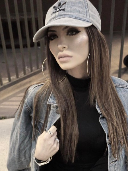 Faryal Makhdoom, Adidas Relaxed Denim Baseball Hat and Levis Denim Jacket (Instagram March 31, 2017)