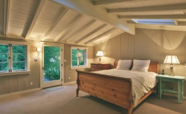 Leonardo DiCaprio Malibu Beach Home celebrity homes bedroom guesthouse