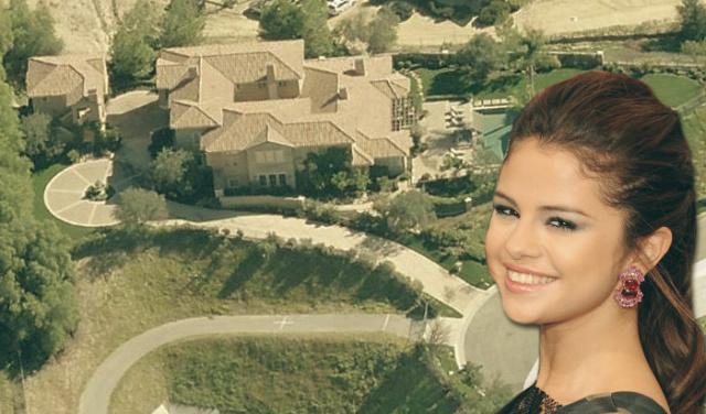 Selena Gomez new mansion at Calabasas