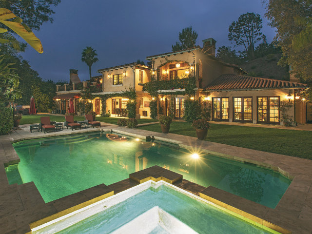Top-10-Celebrity-Homes-in-Los-Angeles-sofia-vergara-new-house-10-million-beverly-hills-villa