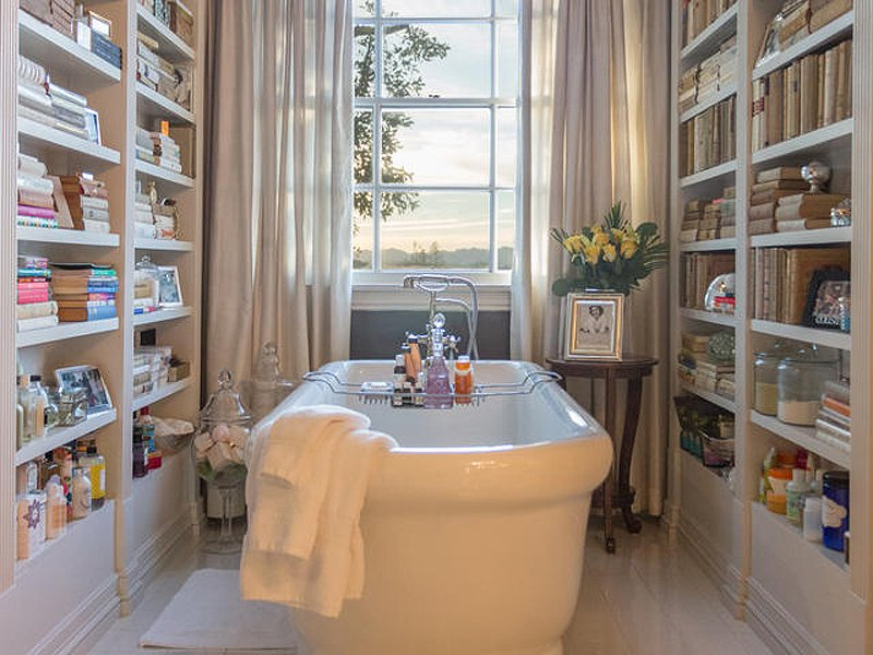 Celebrity Homes: Top 5 celebrity bathrooms