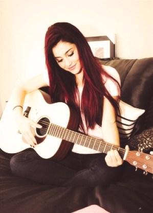 Ariana Grande Biography