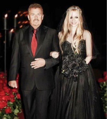 Avril Lavigne Father