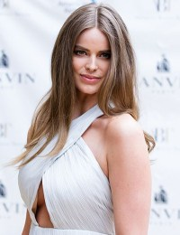 Robyn Lawley Body Measurements Bra Size Height Weight Shoe Stats