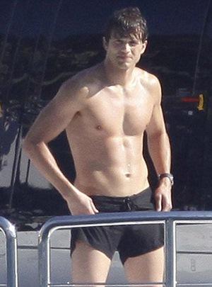 Ashton Kutcher Body Measurements