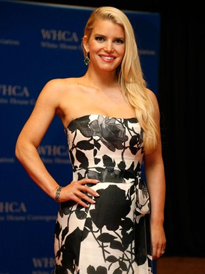 Jessica Simpson Body Measurements Height Weight Bra Size