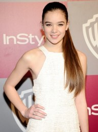 Body Measurements of Hailee Steinfeld with Height Weight Bra Size Shoe Vital Stats