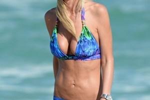 Tara Reid Body Measurements Bra Size Height Weight Vital Stats Facts