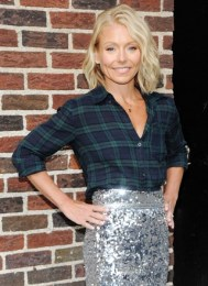 Kelly Ripa Body Measurements Height Weight Bra Size Shoe Age Vital Stats
