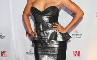 Kiely Williams Body Measurements Height Weight Bra Size Vital Statistics