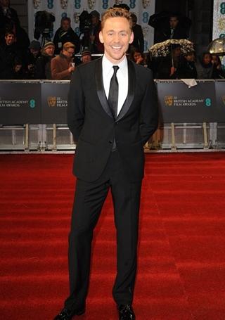 Tom Hiddleston Height Weight Body Shape