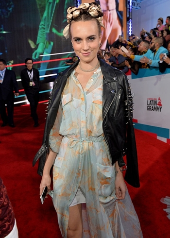MØ singer Height Weight Body Figure Shape