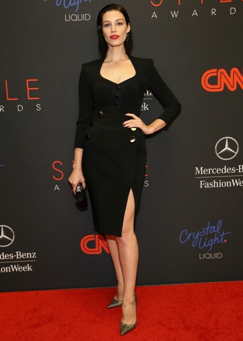 Jessica Pare Height Weight Body Shape