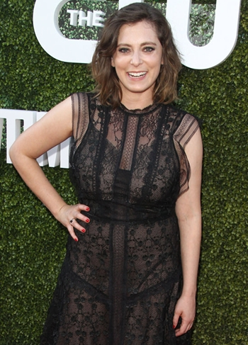 Rachel Bloom Height Weight Body Shape