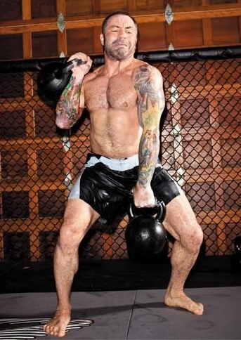 Joe Rogan Height Weight Body Measurements Age Shoe Size ...