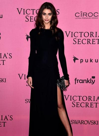 Taylor Hill Body Measurements Height Weight Bra Size Age
