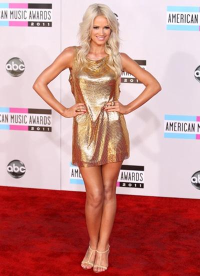 Lauren Bennett Height Weight Body Shape