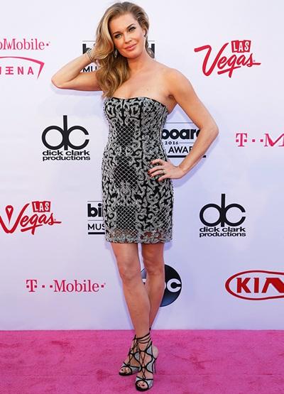 Rebecca Romijn Height Weight Shoe Size