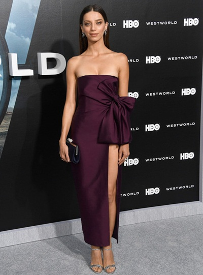 Angela Sarafyan Height Weight Shoe Size