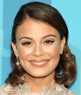 Actress Nathalie Kelley