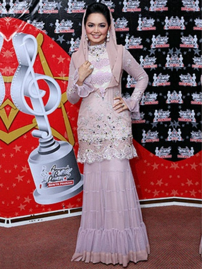 Siti Nurhaliza Height Weight Facts
