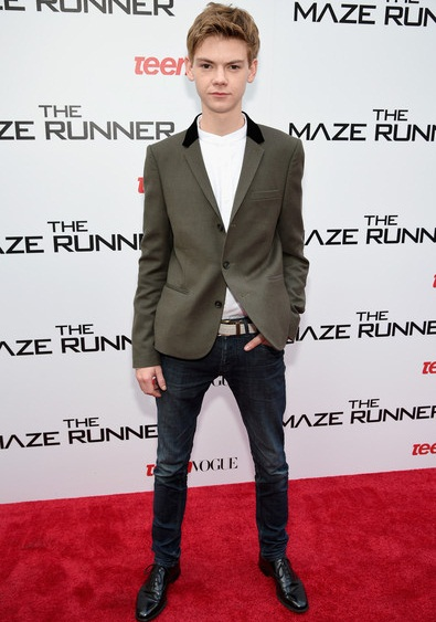 Thomas Brodie-Sangster Height Weight Shoe Size