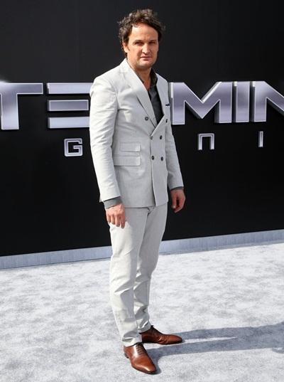 Jason Clarke Height Weight Shoe Size