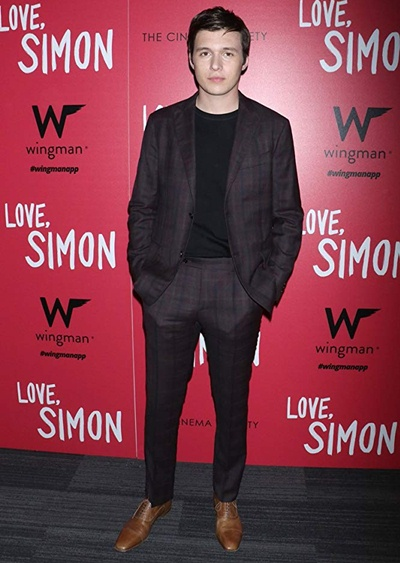 Nick Robinson Body Measurements Shoe Size