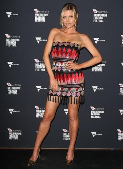 Sophie Monk Height Weight Bra Size