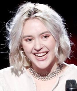 Singer Chloe Kohanski