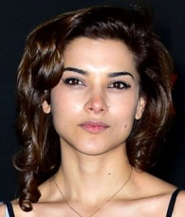 Actress Amber Rose Revah